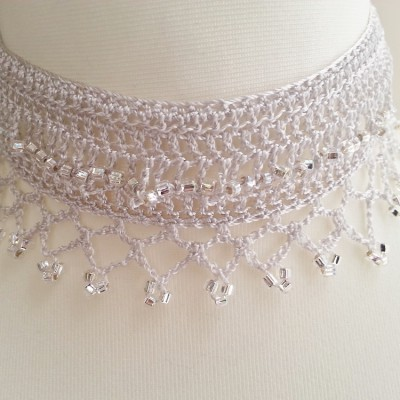 Beaded choker - Beads, Buttons & Lace